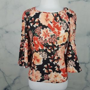 Tops - NWT! Flowy Floral Top w/ Bell Sleeves
